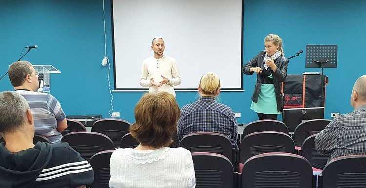 Inclusive Meetings for Deaf-Mutes